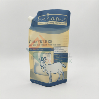 Metal Free Stand Up Spout Pouches For Pet Food Liquid Packaging